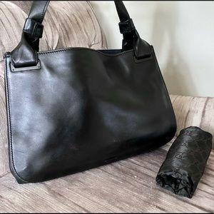 Gucci black leather shoulder bag RARE find!